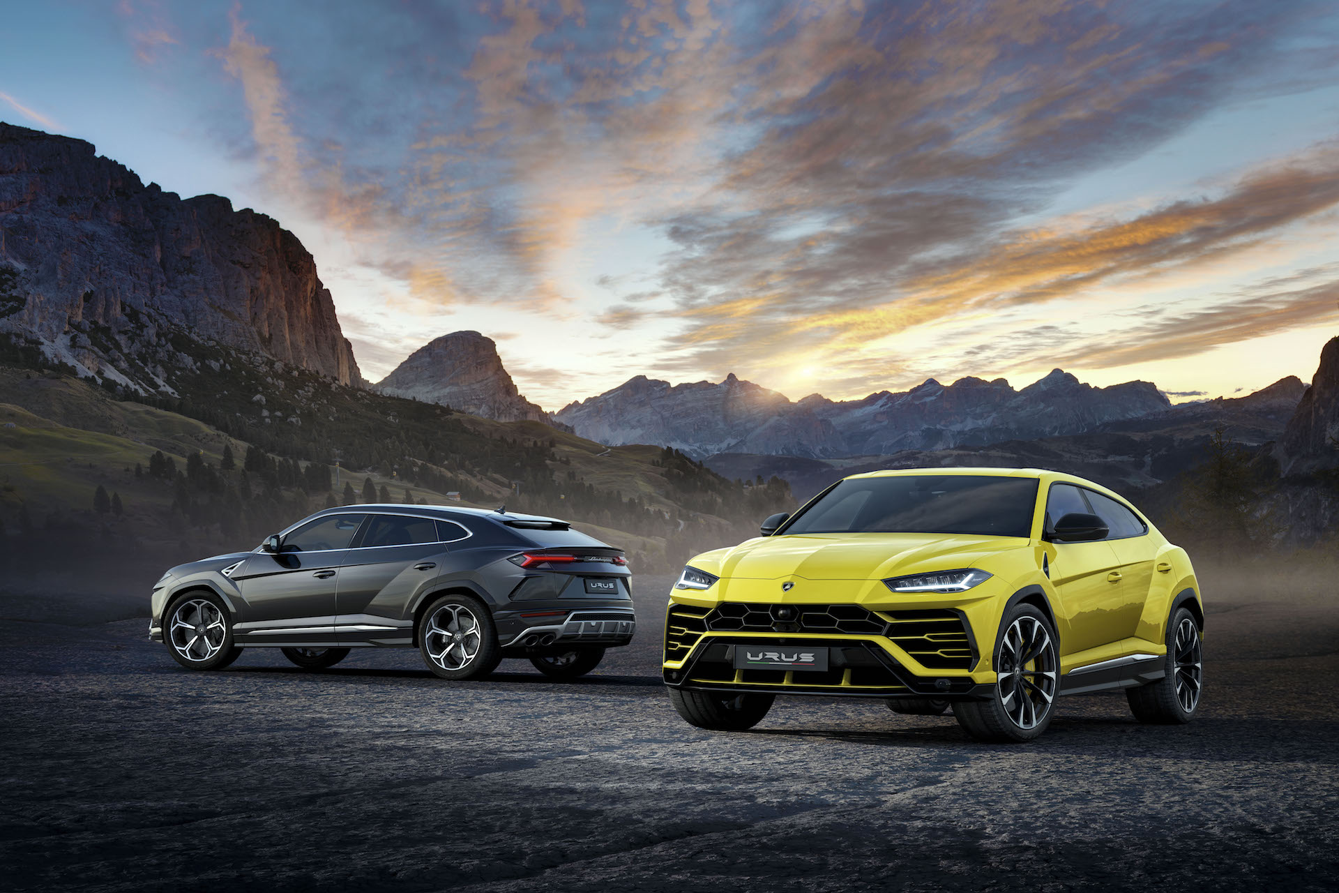 Lamborghini's Urus is their new Super SUV (Video)